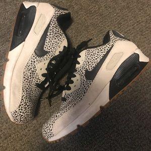 Nike Air Max leopard sneakers